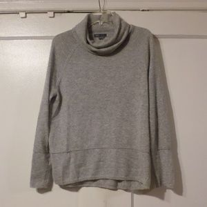 Vince Grey Wool Turtleneck Sweater Size Medium